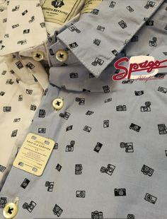 Camicia fantasia Disponibile in due colori  Shop online 👉🏼 http://www.spagoabbigliamento.it/prodotto/camicia-macchine-fotografiche/  #SpagoAbbigliamento #AbbigliamentoUomo #SpagoUomo #AccessoriUomo #NuoviArrivi #NuovaCollezione #NewCollection #SpringSummer2017 #Camicia #Shirt Ravenna24Ore Abbigliamento Uomo