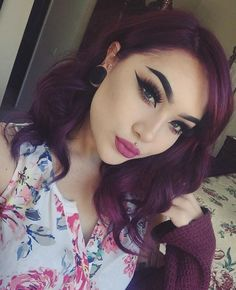 Do you dare: the trend of purple hair Everyone wants to try their colorful hair right now! Here's what you need to know about purple hair colors! We lost ourselves in f. Skin Makeup, Beauty Makeup, Hair Beauty, Glamour Makeup, Violet Pastel, Hair Color Purple, Hair Colors, Colours, Olive Skin