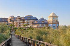 ¿Quieres unas vacaciones en un entorno privilegiado? ¿Buscas un hotel con el mejor servicio e instalaciones?  El Meliá Atlántico Isla Canela, con sus espectaculares vistas al mar y en una magnífica zona de Huelva, harán de tus vacaciones unos días de descanso únicos.  Barceló Viajes ¡No dejes de viajar!  Información y reservas siguiendo el enlace ☛☛☛ http://j.mp/1nLbPnA