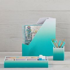 Pool Ombre Fabric Desk Accessories (Everything Turquoise) Cool Desk Accessories, Gold Bathroom Accessories, Bedroom Accessories, Home Design, Teal Desk, Desk Cover, Ombre Fabric, Cute Desk, Bedroom Turquoise