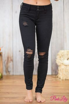 We are in love with these edgy skinny jeans!