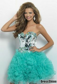Oh that is gorgeous! Maybe Kylas prom dress