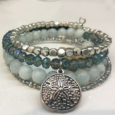 Sand Dollar Memory Wire Bracelet – memory wire - To Have a Nice Day Luxury Jewelry, Diy Jewelry, Beaded Jewelry, Vintage Jewelry, Jewelry Making, Making Bracelets, Beaded Necklaces, Silver Jewelry, Bohemian Jewelry