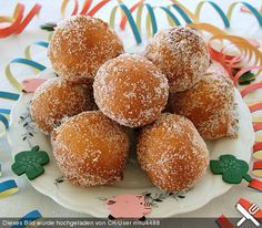 Easy Cake Recipes - New ideas Easy Desserts, Dessert Recipes, Quick Cake, Homemade Donuts, Cacao, Cakes And More, Love Food, Sweet Recipes, Food To Make