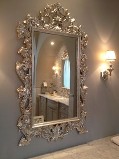 Silver leaf over gold mirror frame--gorgeous! Gold Framed Mirror, Mirror Photo Frames, Diy Mirror, Wall Mirror, French Mirror, Spiegel Design, Silver Furniture, Silver Frames, Beautiful Mirrors