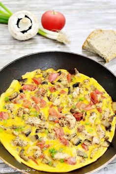 Fast chicken, tomato and cheesecake of mushrooms Source by Egg Recipes, Diet Recipes, Cake Recipes, Dessert Recipes, Healthy Recipes, Desserts For A Crowd, Easy Desserts, Romanian Food, Oven Dishes