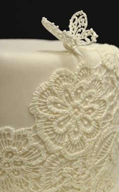 Sugar art - embroidery embroidered doily cake