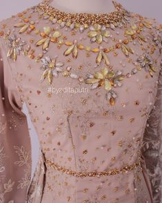 Pakistani Fashion Casual, Hijab Fashion, Hijab Dress Party, Muslim Wedding Dresses, Hand Embroidery Videos, Couture, Kebaya, Dress Codes, Traditional Dresses