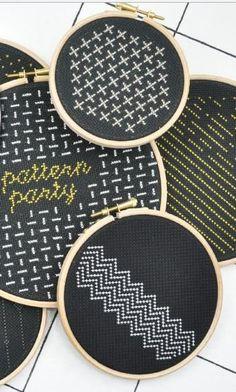 30 verschiedene Muster und Schriften - Stickmuster via Makerist.de