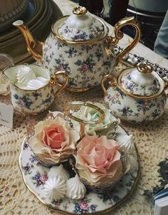Tea time: beautiful, english and rosy