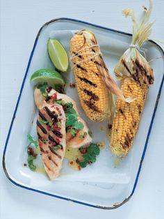 Na grilu můžete současně připravit maso i zeleninovou přílohu. Tacos, Mexican, Ethnic Recipes, Food, Essen, Meals, Yemek, Mexicans, Eten