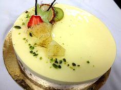 i want to eat something delicious (location: Le Cordon Bleu, Paris Intermediate...)