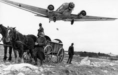 Ju_52_dropping_supplies