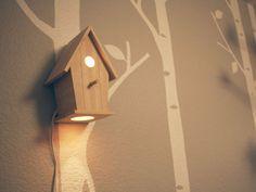 Falfestés madáretetős lámpával.