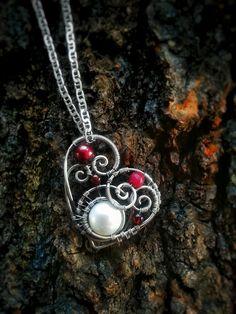 Heart Pearl Pendant | JewelryLessons.com