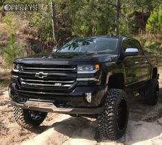 2017 Chevy Silverado lifted freaking beast Old Ford Trucks, Chevy Pickup Trucks, Lifted Chevy Trucks, Gm Trucks, Chevrolet Trucks, Diesel Trucks, Lifted Ford, Chevy Duramax, Chevrolet Silverado 1500
