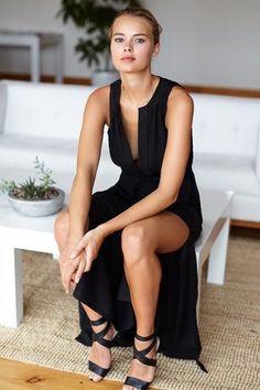 Grecian Keyhole Dress - Black