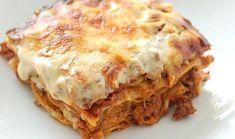 LASAGNE ITALIENNE (Pour 4/6 P : 1 sachet de pâtes à lasagnes, 4 à 6 tranches de coppa, 500 à 750 g de viande hachée, 4 à 6 carottes, 1 ou 2 courgettes, 4 à 6 tomates, mozzarella, parmesan, 1 peu de coulis de tomate, basilic, de l'huile d'olive, sel/poivre) CUISSON : 40 mn à 200° (couvrir de papier alu les 30 premières mn, puis retirer le papier les 10 dernières mn)