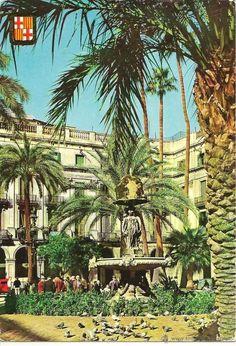 Barcelona, Plaza Real, 1961 Barcelona Plaza, Barcelona Travel, Barcelona Spain, Around The World In 80 Days, Around The Worlds, Barcelona Architecture, Roman City, Illustrations, Gaudi