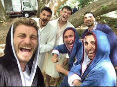 Evet hayatımın aşkısıda burdaymış❤avcı. Turkish Military, Turkish Men, Turkish Actors, Turkish Women Beautiful, Turkish Beauty, Fall Photo Shoot Outfits, Turkish Soldiers, Ariana Grande Songs, Friends Moments