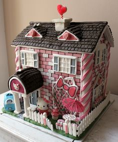 Hello Kitty gingerbread house. Incredibly cool. Click on the photo to go to the blog link, which features more shots of the house, although unfortunately the site isn't in English...