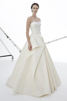 Roseline wedding dress from Peter Langner Bridal Collection 2017 - Structured strapless wedding dress - see the rest of the collection on www.onefabday.com