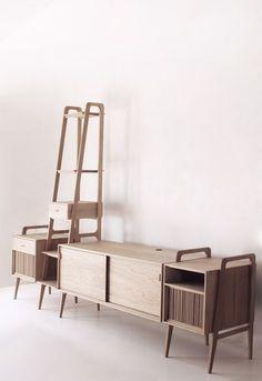 Tomando como referencia las estanterías con módulos de almacenaje danesas de los años cincuenta, diseñamos esta estructura compuesta…