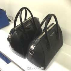 10% OFF for Givenchy Antigona Black now ONLY RM7,500 for Small with UK Retail Price is RM8,300 and order today you SAVE RM800