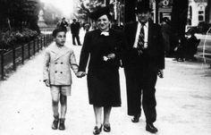 Simon Gronowski, aged nine, with his parents in Brussels before the occupation