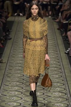 Burberry Autumn/Winter 2016 Ready-To-Wear Collection | British Vogue