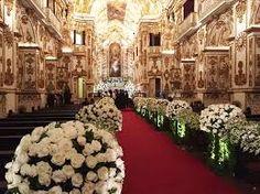 Resultado de imagem para decoração de casamento igreja dourado