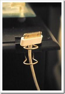 I love how they used binder clips on the side of their desk. Such a great non permanent solution.
