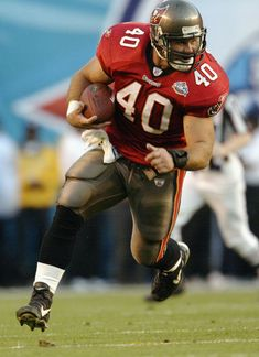 Mike Alstott 6x Pro Bowler, 4x All-pro, 1x Super Bowl Champion