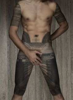 vivipiuomeno: Greg Semu, New Zealand Samoan photographer - Sef portrait with pe'a