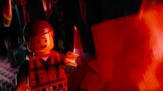 """""""Man of plastic"""" è il mitico #Emmet! Vi aspetta al cinema il 20 febbraio con #TheLEGOMovie! #LEGOIlFilm"""