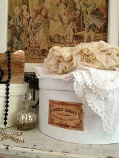French Musical Boquet Hat Box