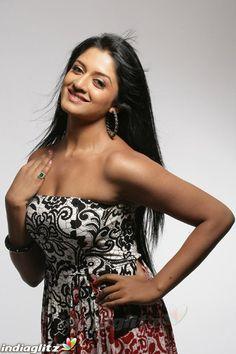~Picx~: Vimala Raman very hot Pictures South Indian Actress, Beautiful Indian Actress, Beautiful Women, Hollywood Actresses, Indian Actresses, Very Hot Picture, Kim Kardashian Bikini, Tamil Actress Photos, Hottest Photos
