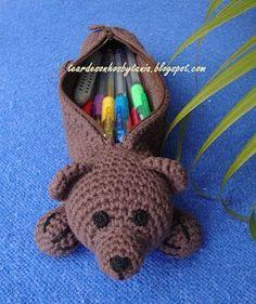 Knitting Penholder Models – – Crochet World Crochet Pencil Case, Pencil Case Pattern, Crochet Hook Case, Love Crochet, Crochet Purses, Crochet Toys, Knit Crochet, Knitting Patterns, Crochet Patterns
