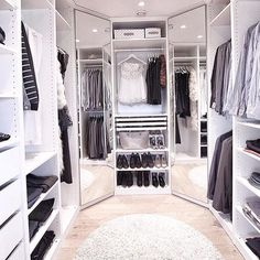 Below are the Closet Design Ideas For Your Home. This post about Closet Design Ideas For Your Home was posted … Walk In Closet Design, Bedroom Closet Design, Master Bedroom Closet, Closet Designs, Small Walk In Closet Ideas, Walking Closet, Walking Wardrobe Ideas, Dressing Room Closet, Dressing Room Design