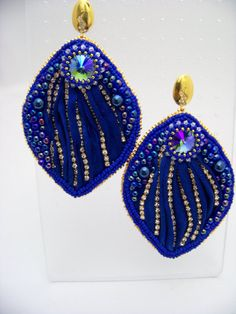 Hey, I found this really awesome Etsy listing at https://www.etsy.com/listing/199427246/sapphire-and-diamonds-silk-shibori