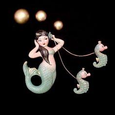Vintage mermaid brooch