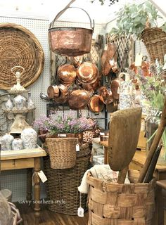 French Country Style, French Country Decorating, Fall Decorating, Antique Booth Displays, Savvy Southern Style, Antique Stores, Antique Market, Store Displays, French Antiques