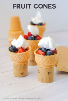 Cones Fruit Cones are great for an after school snack and can be filled with so many things!Fruit Cones are great for an after school snack and can be filled with so many things! Bible School Snacks, Class Snacks, Classroom Snacks, Healthy School Snacks, Healthy Afternoon Snacks, School Treats, After School Snacks, Healthy Desserts, Snacks To Make