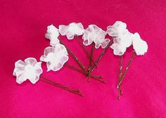 hair accessories (little flowers)