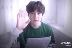Was not prepared for that 😂😥 Suga Suga, Min Yoongi Bts, Min Suga, Bts Bangtan Boy, Bts Jimin, Bts Video, Foto E Video, Bts Memes, J Hope Dance