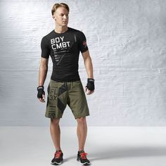 Battle your way to better fitness with this ultra supportive, sweat-wicking tee.