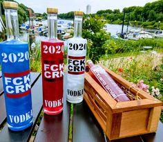 Limitierter old Style Vodka hergestellt in Norddeutschland für echte Frauen und Männer die nicht nur jammern sondern auch mal fest anpacken können. Red Bull, Vodka, Berlin, Van, Unique, Color, Real Women, Repurpose, Colour