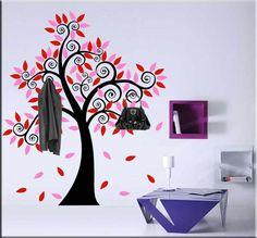Adesivo murale albero appendiabiti è una decorazione da parete utile oltre ad essere anche ornamentale nell'ambiente prescelto della tua casa.