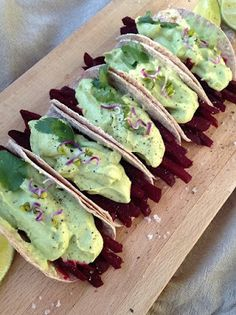 ZabosBabos: Avokádó-Céklataco Avocado Toast, Tacos, Paleo, Mexican, Breakfast, Ethnic Recipes, Food, Hoods, Meals