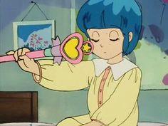 """J'étais fan de ce dessin animé. Une gamine qui se transformait en chanteuse avec sa baguette magique... """"Pampulilu pouvoirs magiques pampulilu c'est fantastique! Papa Maman Bouffe-Tout Charlie, je vais changer toute votre vie!"""""""